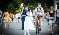 August 8, 2015: A newly wed couple in Gorky Park