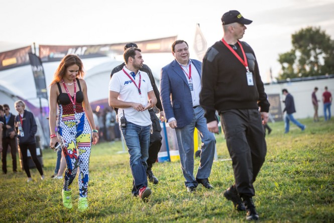 Alfa Group owner Mikhail Fridman checking out the concert grounds.