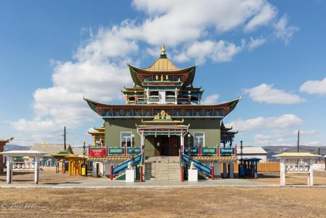 One of Ivolginsky's seven temples.