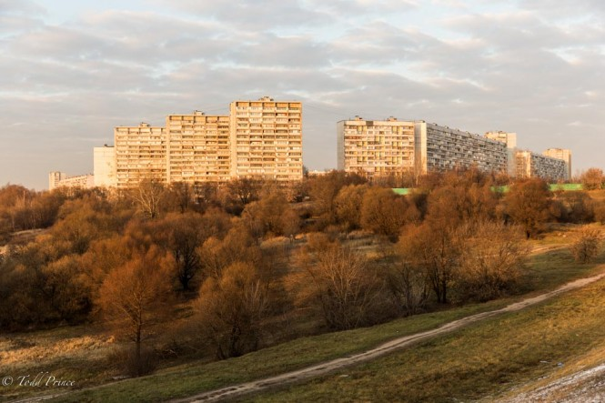Soviet-era housing - probably late 1970s, early 1980s - basking in sunlight. This housing is directly across the river from the Southern Gate and directly across the MKAD from the power stations.