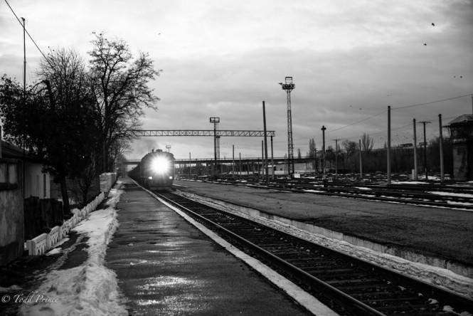 The train approaching the Tiraspol train station.