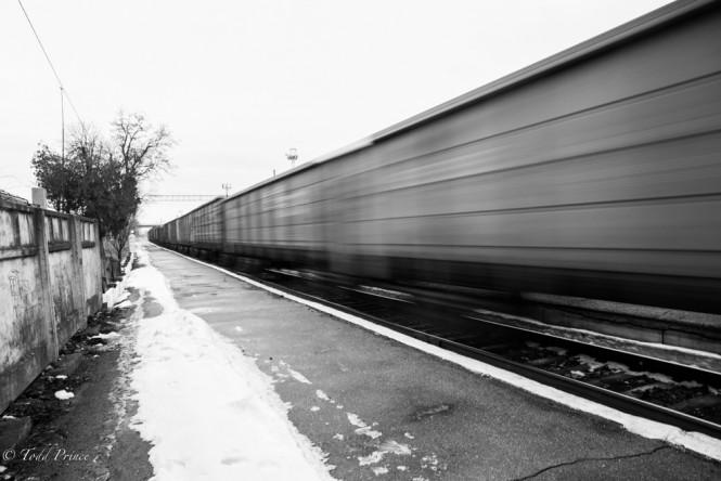 A long cargo train passing the Tiraspol train station.