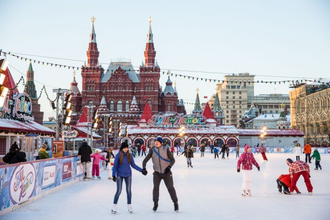 Russians skate in -16c on Red Square before the New Year.
