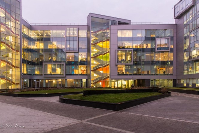 A look at the courtyard inside the Yandex building at dusk time.